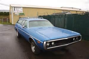 parked cars 1971 dodge coronet wagon