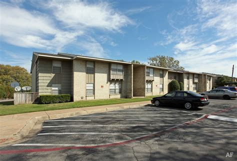 Apartments In Forest Dallas Forest Gardens Dallas Tx Apartment Finder