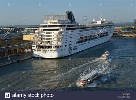 boat cruise venice cruise ship port venice fitbudha