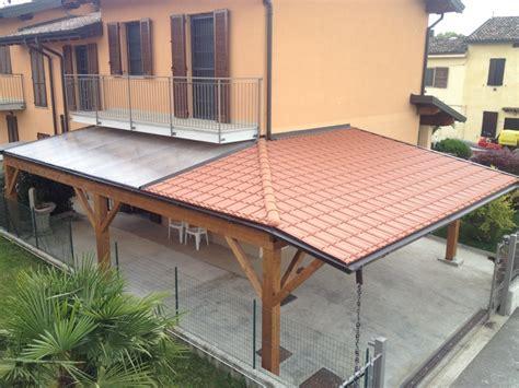 struttura gazebo in legno foto struttura in legno ad angolo di esterni tende