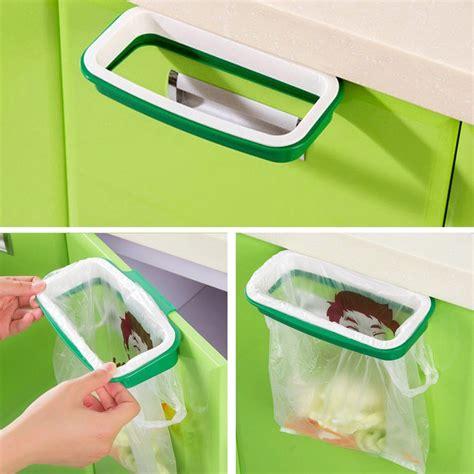 Gantungan Plastik Belanja Dengan Sistem Pengunci rak hanger kantong plastik tempat sah white green jakartanotebook