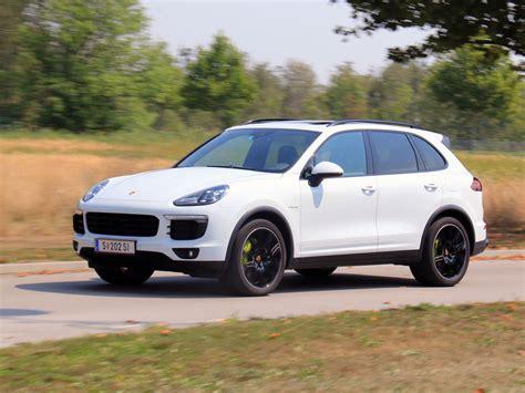 Porsche Cayenne S Test by Porsche Cayenne S E Hybrid Testbericht Autoguru At