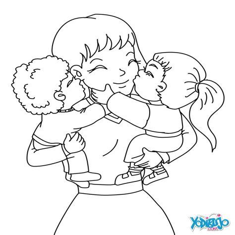madre abrazando a su hijo dibujos para colorear mam 195 con su hijos es hellokids