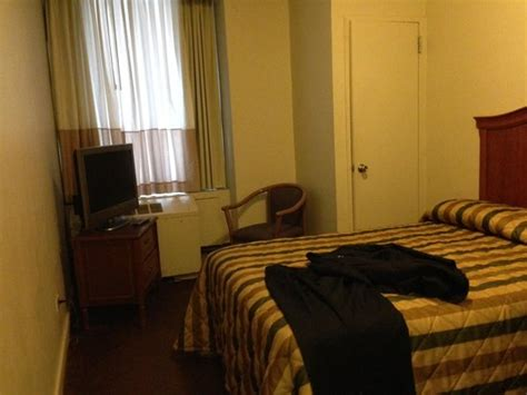penn club new york room rates standard room i paid an advanced rate for a penn 5000 club king room picture of hotel
