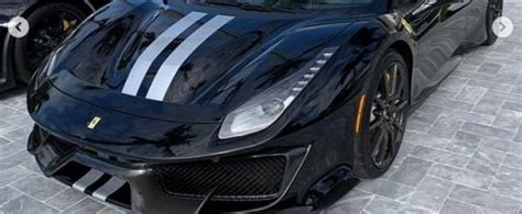 black  silver ferrari  pista carbon wheels shows