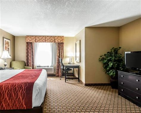 comfort inn and suites kansas city downtown comfort inn and suites downtown kansas city missouri