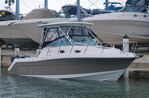 private boat r near me sold 2009 robalo r305 walkaround 75 hours on yamaha