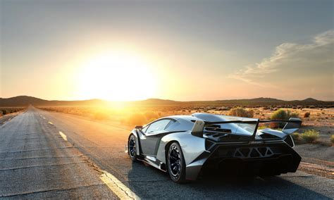 crashed lamborghini veneno the s most expensive car 4 000 000 lamborghini