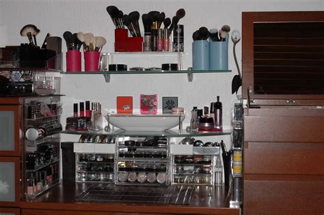 Vanity For Bedroom For Makeup brush organization and ideas 2012 sweet makeup temptations
