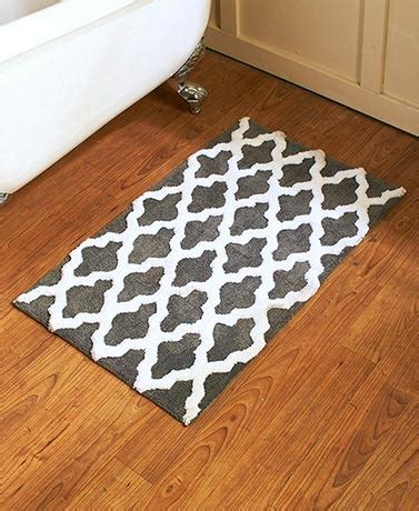 Oversized Bathroom Rugs Oversized Lattice Bath Rugs The Lakeside Collection