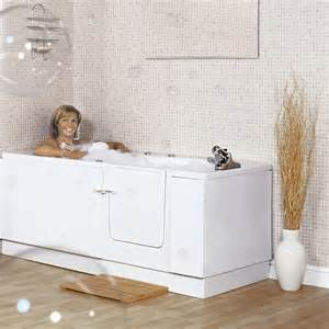 walk in baths 25 best ideas about bathtub shower combo on pinterest