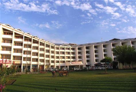 best hotels in srinagar sujat mantoo srinagar kashmir best hotels