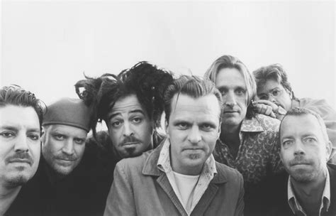 bands like counting crows introductions thirteen counting crows essentials the howler