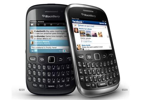 Handphone Blackberry Curve 9220 blackberry curve 9320 vs blackberry curve 9220 ndtv