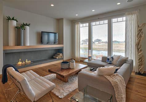 Modern Living Room With Fireplace by Modern Nappali L 225 Tv 225 Nyos Kandall 243 Val Nappali Szoba