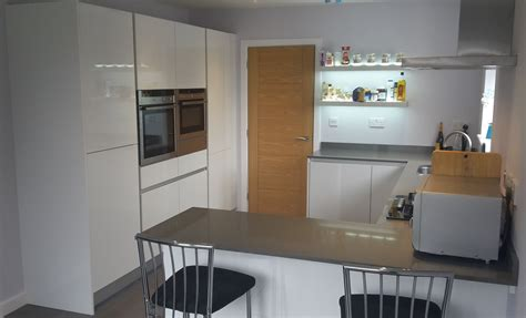 gloss white kitchens hallmark kitchen designs gloss white handless hallmark kitchen designs