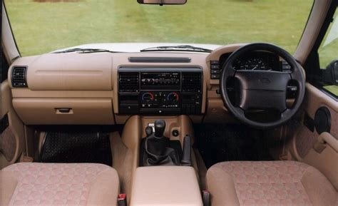1998 land rover discovery interior land rover discovery station wagon 1989 1998 driving