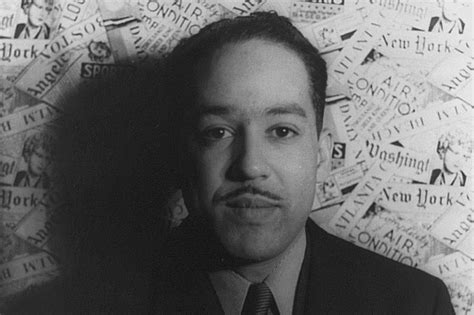 langston hughes mini biography 5 writers of the harlem renaissance
