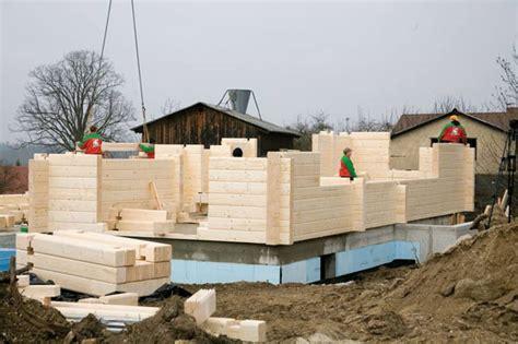 fertighauswand aufbau ein blockhaus als fertighaus planen und bauen