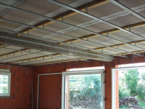 Isolation Plafond Garage Beton by Comment Fixer Les Suspentes Sous Un Plafond Hourdis B 233 Ton