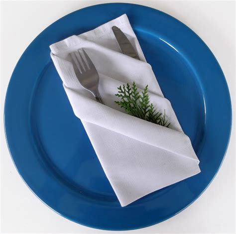 napkin folding diagonal stripes