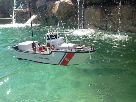 pictures of remote control boats buy ready to run remote control uscg motor lifeboat 18