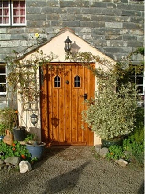 Country Cottage Front Doors by Country Cottage Front Door Outdoor Decor