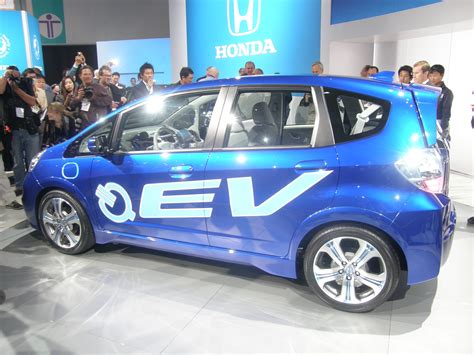 Honda Connected Car Features Honda Enters Connected Car Race With Some Help From