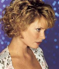 curly hair for 40 year 15 short hair cuts for women over 40 short hairstyles