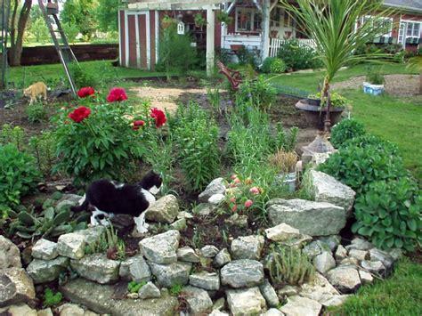 landscaping designs  big rocks   copy