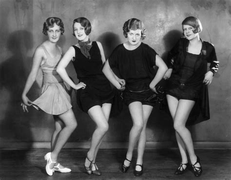 ages 20 fashion women style in the jazz age 20 vintage photos show beautiful