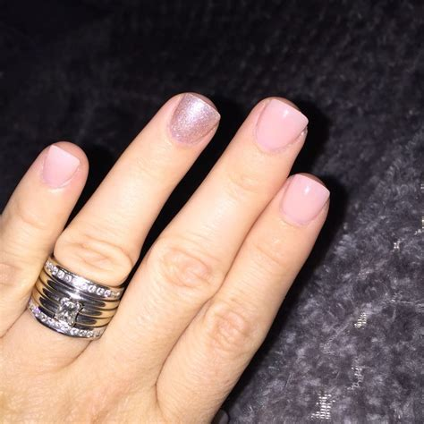 best color for super short nails when shellac ruins your nails and you have to cover them