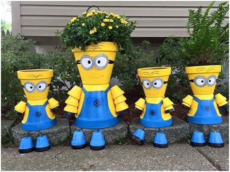 Minion Yard Decorations by Home Decorating With Minions