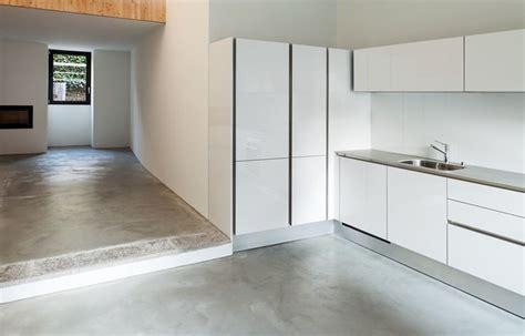 team hyundai brton witte keuken met betonvloer keukens tes