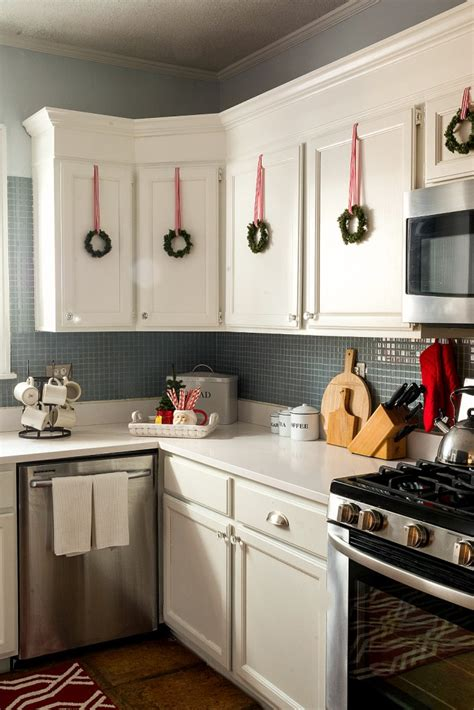 christmas decorations on kitchen cabinets top 40 decoration ideas for kitchen celebration all about