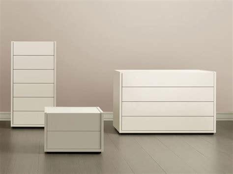 comodini e altri contenitori comodino con 2 cassetti frontale e top disponibile in