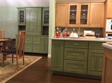 schuler kitchen cabinets schuler artisan maple sage mocha glaze vintage sugar