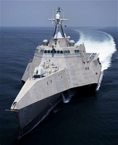 trimaran independence class independence class littoral combat ship infographic