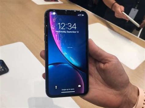 iphone xr apple iphone xr  impressions gadgets