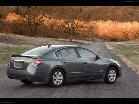 nissan altima hybrid nissan altima hybrid 2011 car photo 17 of 48