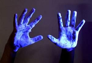 list of things that glow black light
