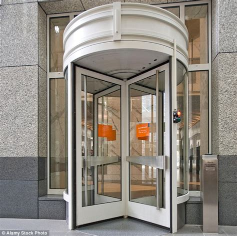 Revolving Door by Aberdeen Students Get Lessons In How To Use A Revolving Door Daily Mail