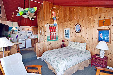 hawaiian rooms hawaiian room moolack shores