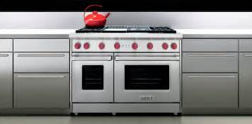 Gas Ovens And Cooktops Viking Vs Wolf Range 48 Pro Style Gas Ranges Compared
