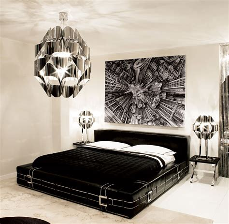 Black N White Bedroom Furniture by Ipe Cavalli Presenta Collezione Grantour