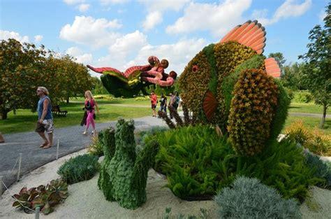 Parking Botanical Gardens Montreal Earth Picture Of Montreal Botanical Gardens Montreal Tripadvisor