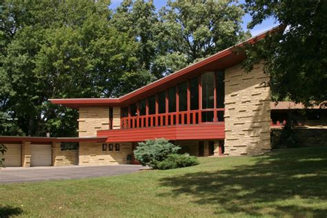 3 frank lloyd wright houses you can buy right now photos 11 frank lloyd wright homes you can rent right now curbed
