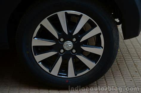 Toyota Alloy Wheels Toyota Etios Cross Review Alloy Wheel Indian Autos