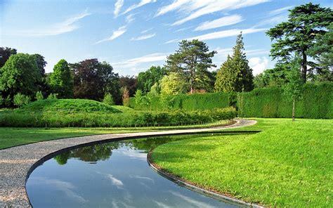 Garden Of Viewpoint Ascott House Gardens Buckinghamshire Uk A View Of Land