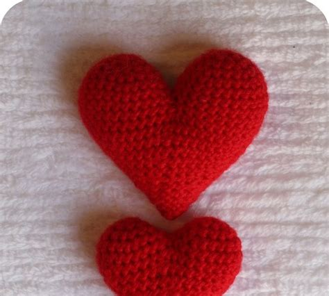 free pattern amigurumi heart 2000 free amigurumi patterns heart crochet pattern